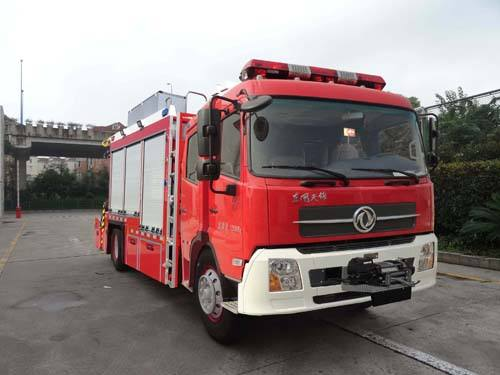 东风天锦抢险救援消防车